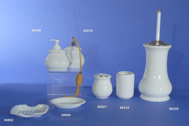 Negozio laboratorio vendita e decorazione di porcellana bianca a racale puglia italia - Vendita accessori bagno milano ...