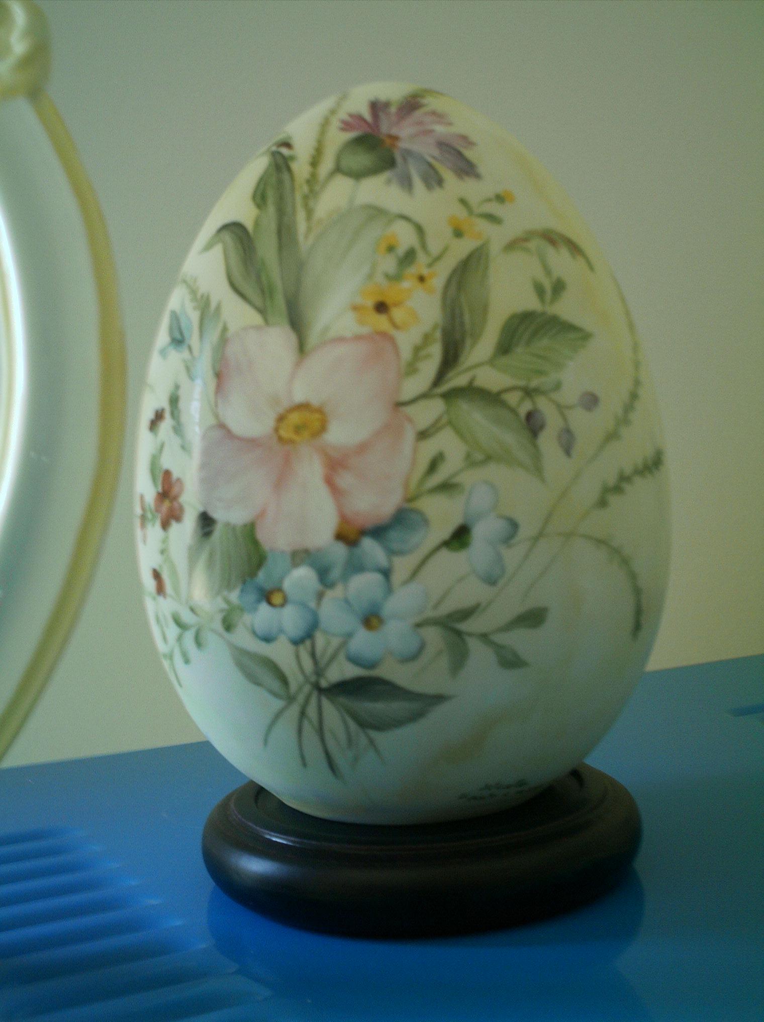 Uova Di Ceramica Dipinte A Mano.Negozio Laboratorio Vendita E Decorazione Di Oggettistica Per La