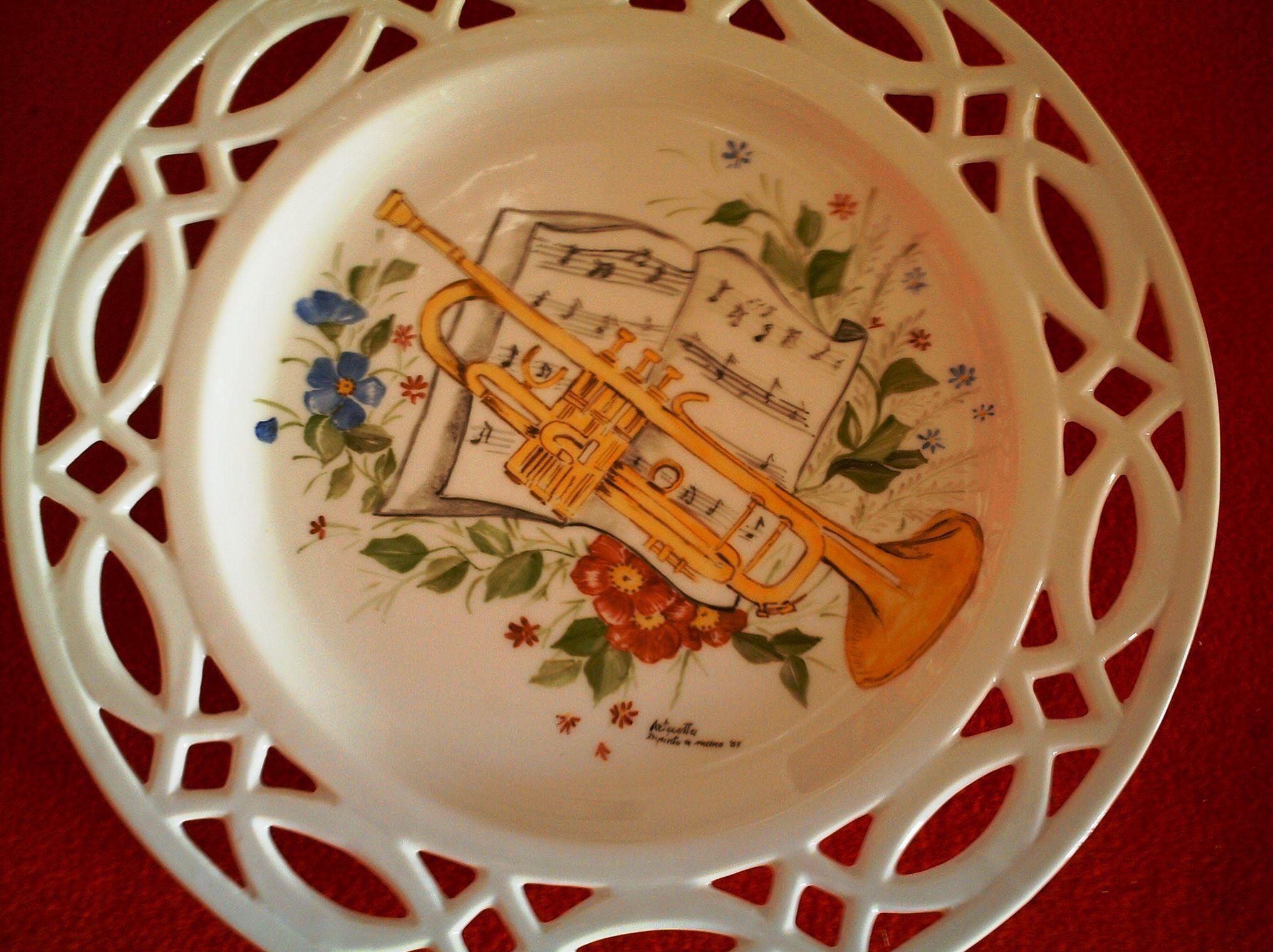 Negozio laboratorio vendita e decorazione di piatti for Piatti decorati